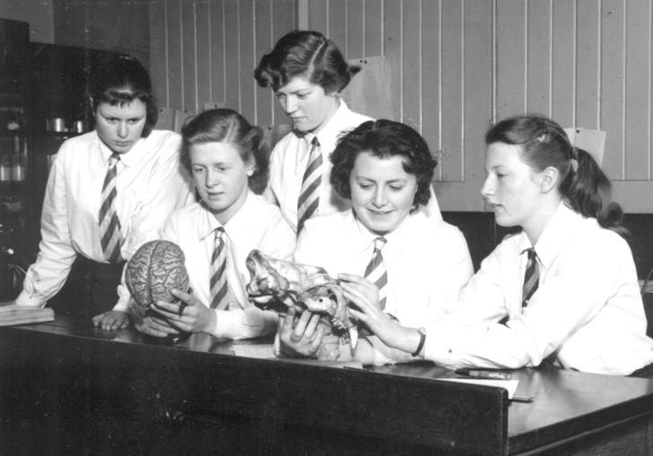 Pupils of City of London School for Girls in an anatomy class