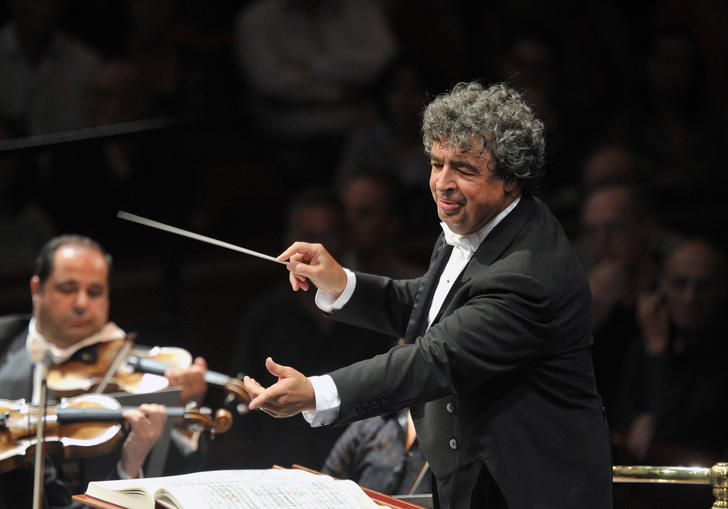 Seymon Bychkov conducting masterfully