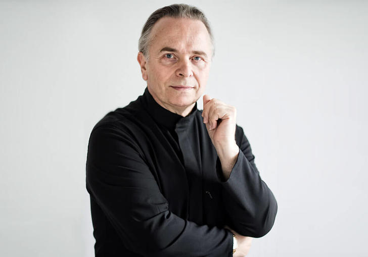 A colour headshot of Sir Mark Elder
