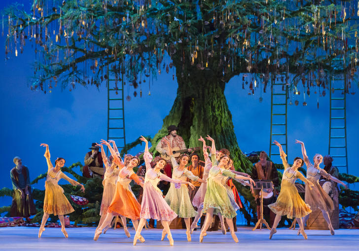 A still from The Winters Tale from the Royal Opera House