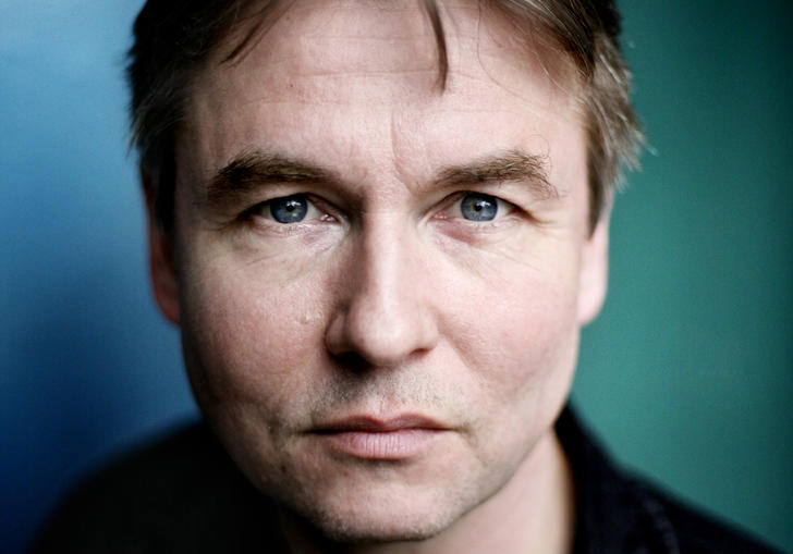 A headshot of Esa-Pekka Salonen