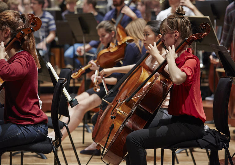 Guildhall Symphony Orchestra takes to the Barbican Hall stage
