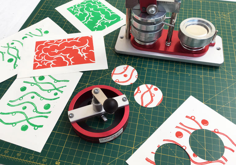 Image of christmas badge making with Jamie Temple