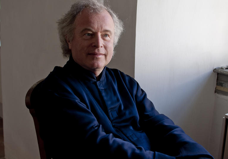 András Schiff close up