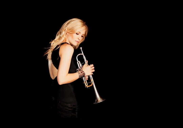 Alison Balsom with trumpet