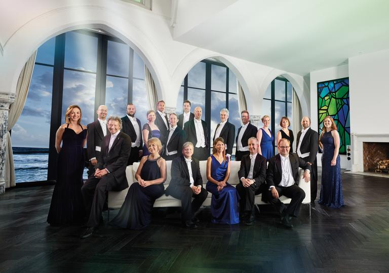 The Sixteen 2019 group image