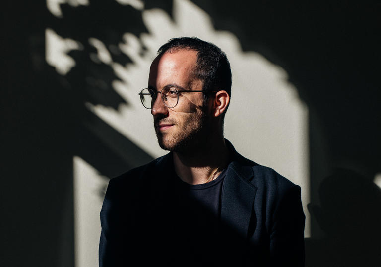 Igor Levit shadow portrait