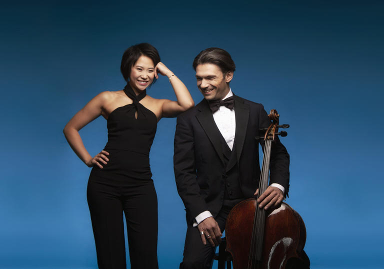 Yuja Wang leaning on Gautier Capucon's shoulder