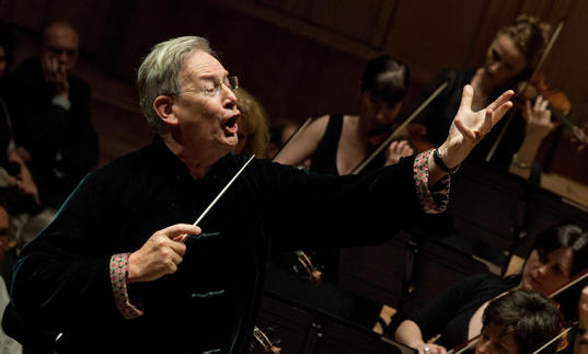 Photo of Gardiner conducting