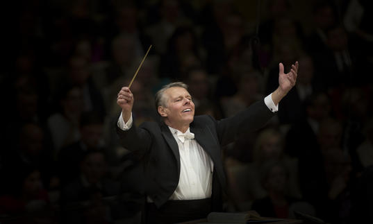 Photo of Mariss Jansons conducting