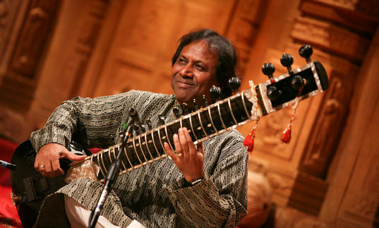 Shahid Parvez playing a sitar