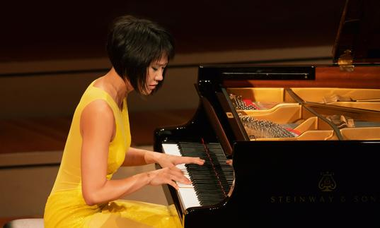Yuja Wang playing pinao