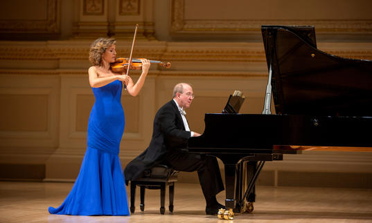 Ann-Sophie Mutter and Lambert Orkis performing